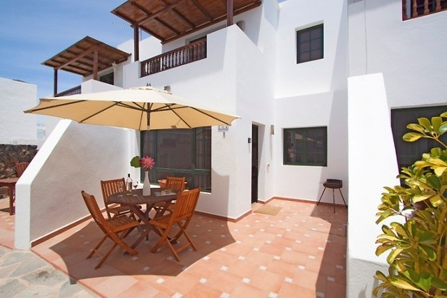 Main Photo of a 9 bedroom  Duplex for sale